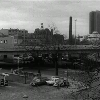 Still from Richard Woolley's film Kniephofstrasse